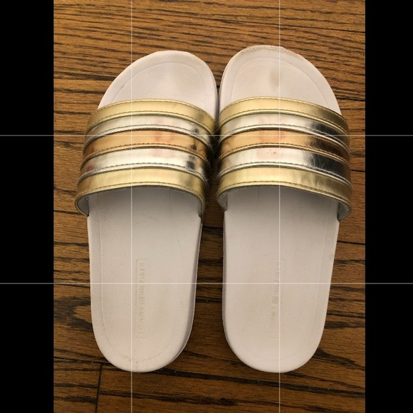 cd404c39a8aa5 Girls Tommy Hilfiger Remy Rainbow 2 slide